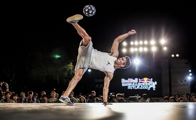 Carlos Iacono of Argentina competes at Zojoji Temple during the Red Bull Street Style world finals, Tokyo, Japan on September 19th 2013. // Dean Treml/Red Bull Content Pool // P-20130919-00110 // Usage for editorial use only // Please go to www.redbullcontentpool.com for further information. //